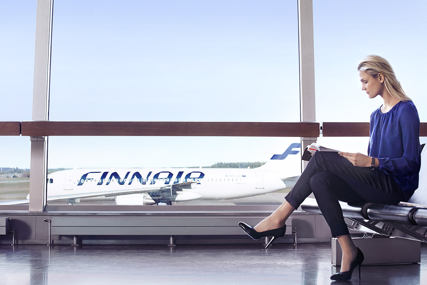 Finnair woman at gate 03 low